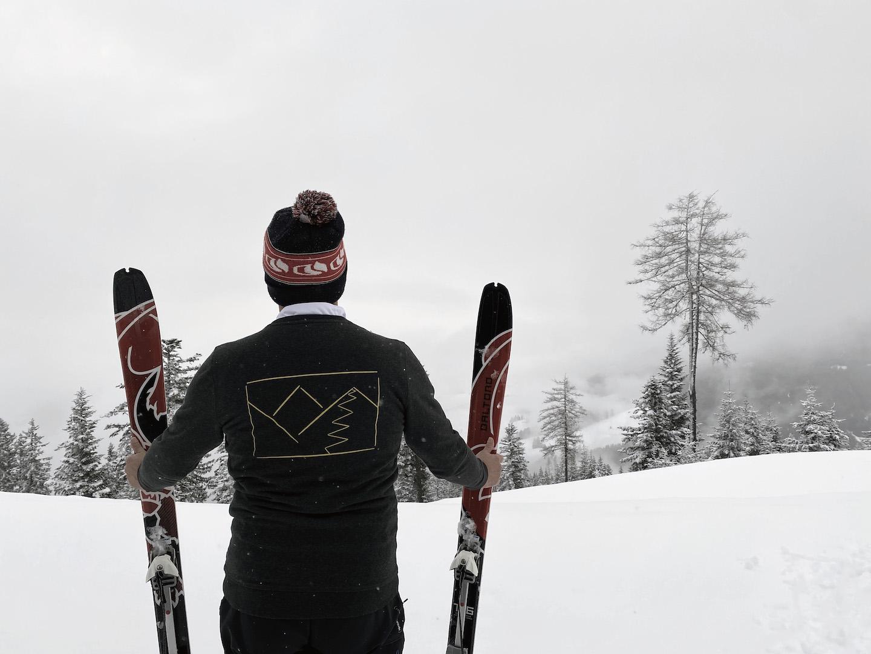 lupa-bearb-skiing